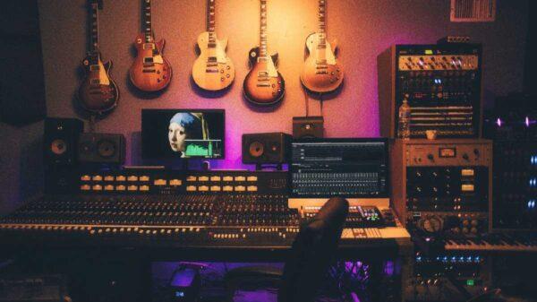 Detrás de la escena: cómo funciona la industria musical