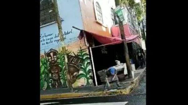 A veces comer en la calle resulta contraproducente, por la falta de higienes en los puestos de fritangas y tacos