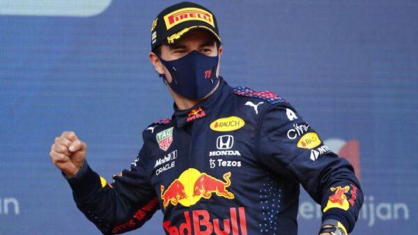 Sergio Pérez se rinde ante Red Bull