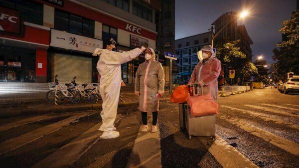 Wuhan y otras ciudades de China entran en aislamiento por nuevos casos de Covid-19