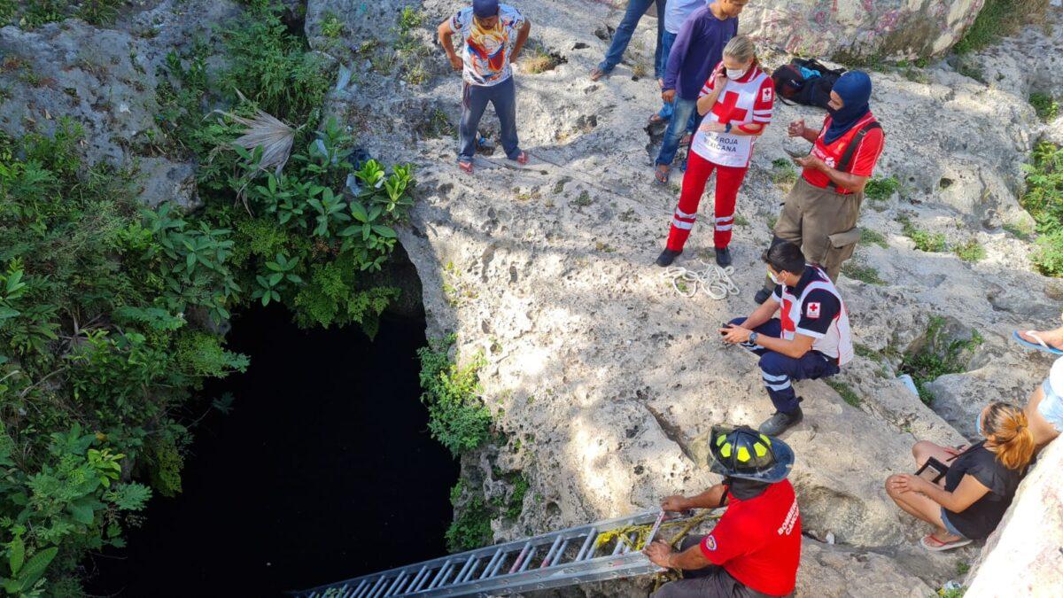 En Cancún una persona cae dentro de un cenote, autoridades esperan ubicarlo