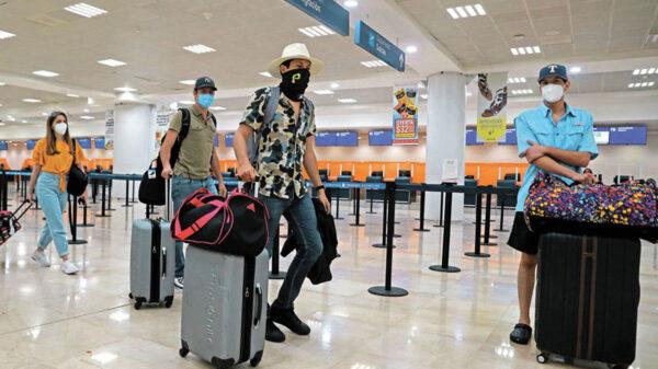 Asur pide checar status de vuelos por llegada del huracán Grace