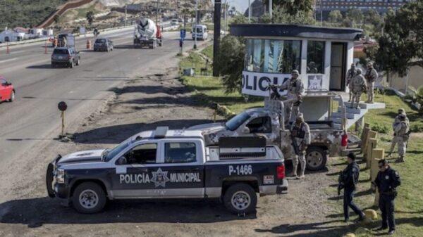 Policías encuentran una mujer decapitada y su cabeza en una hielera