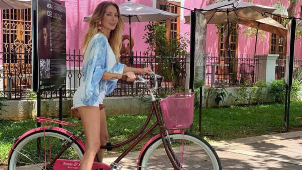 Presume Geraldine Bazán su visita a Progreso e Izamal, Yucatán