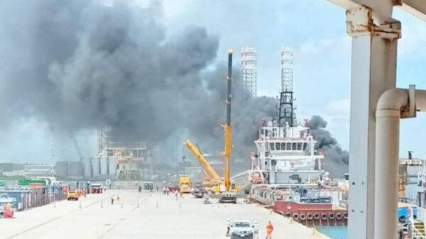 Se registra incendio en plataforma en el puerto de Dos Bocas, en Tabasco