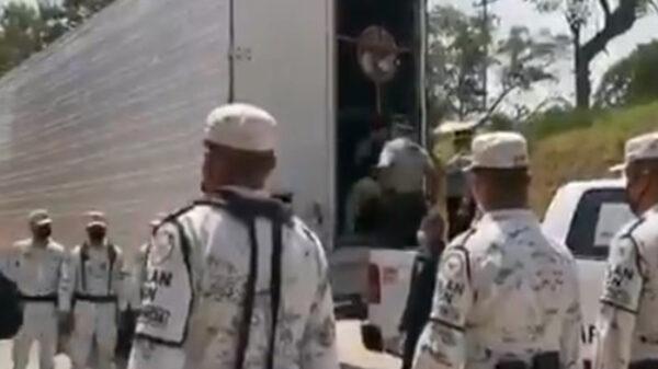 En Chiapas, capturan a 93 indocumentados, viajaban en camión de carga