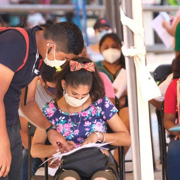 Destacan gran afluencia de jóvenes en el módulo de vacunación de Leona Vicario