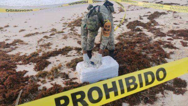 Recalan en playa de Cozumel 30 paquetes con cocaína.