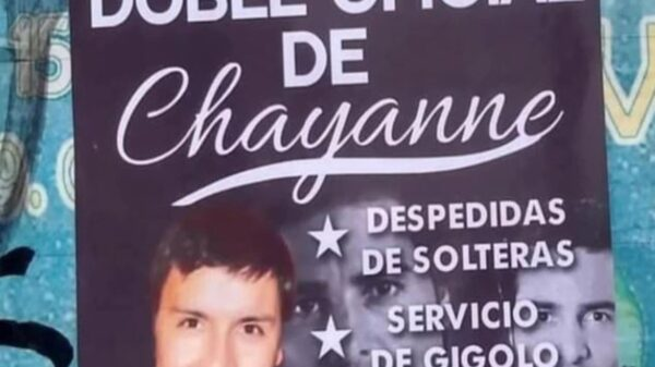 """El folleto de una publicidad en la cual un hombre se renta como el """"doble de Chayanne"""" para cumplir todo tipo de fantasías, desata burlas"""
