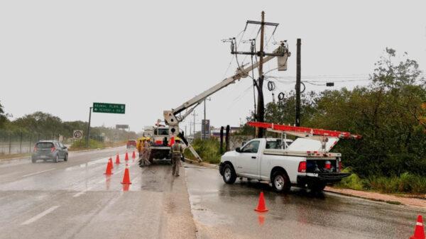 CFE lleva 10 por ciento de avance en restauración de energía eléctrica