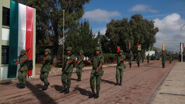 Se alistan 16 mil soldados para el Desfile Militar en el Zócalo.