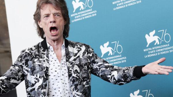 Mick Jagger sorprende con alocado baile a sus 78 años
