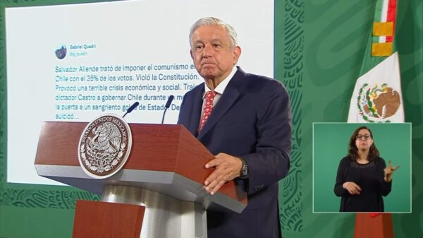 "Oposición ""da pena ajena""; critica AMLO tuit de Quadri"