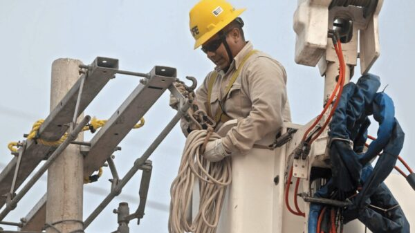 Apagones de la CFE siguen afectando a la Península de Yucatán