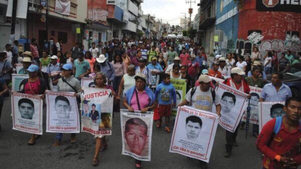 """Ayotzinapa, """"verdad histórica"""" con pruebas fabricadas y tortura generalizada"""