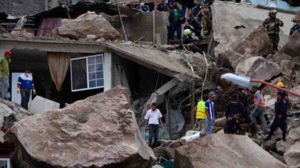 Reportan al menos dos muertos y 10 desaparecidos tras derrumbe en el Edomex