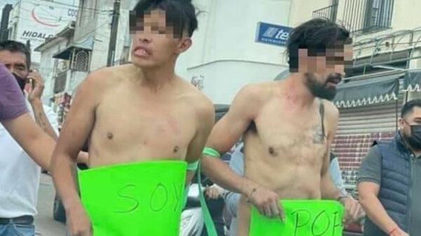 Desnudan y exhiben a presuntos ladrones en Hidalgo