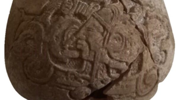 Tren Maya: En Yucatán descubren milenaria vasija con escritura jeroglífica.