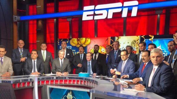 Experiodista de ESPN demanda a la empresa por una fuerte razón