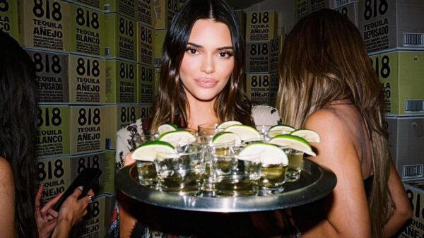 Kendall Jenner apoyará en construir casas en Jalisco