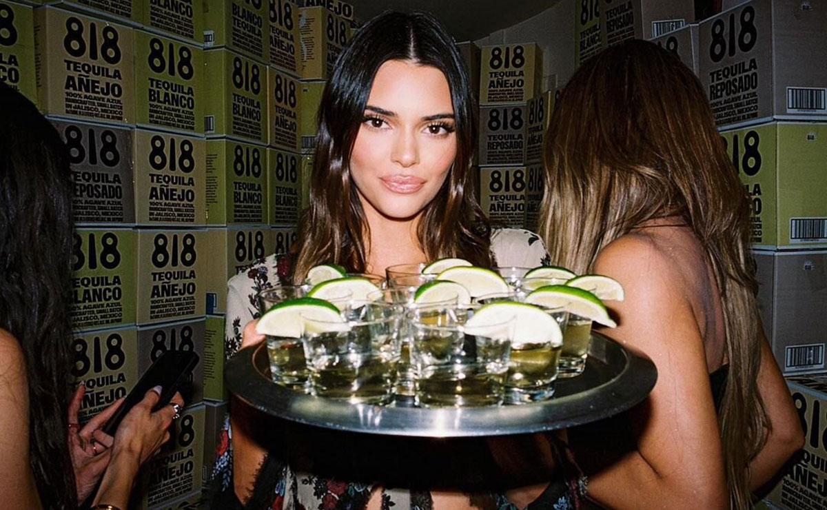 La famosa con tequila.