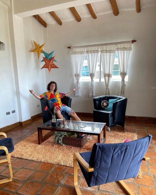 Luisito Comunica compra casa en Venezuela y ahora teme perderla