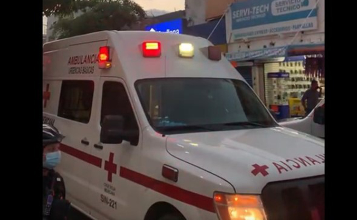 Muere aplastada tras colapsar techo donde trabajaba en Culiacán