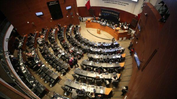 Regresa la aplanadora, Morena y aliados avalan Ley de Juicio Político