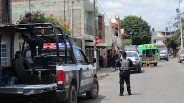 Ejecutan a balazos a cuatro personas en su casa en Michoacán
