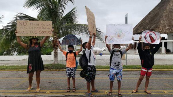 Cozumeleños rechazan la construcción de un cuarto muelle de cruceros.