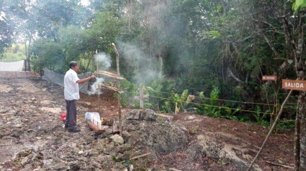 Preservaran tradiciones en el Centro Ecoturístico de Cinco Cenotes.