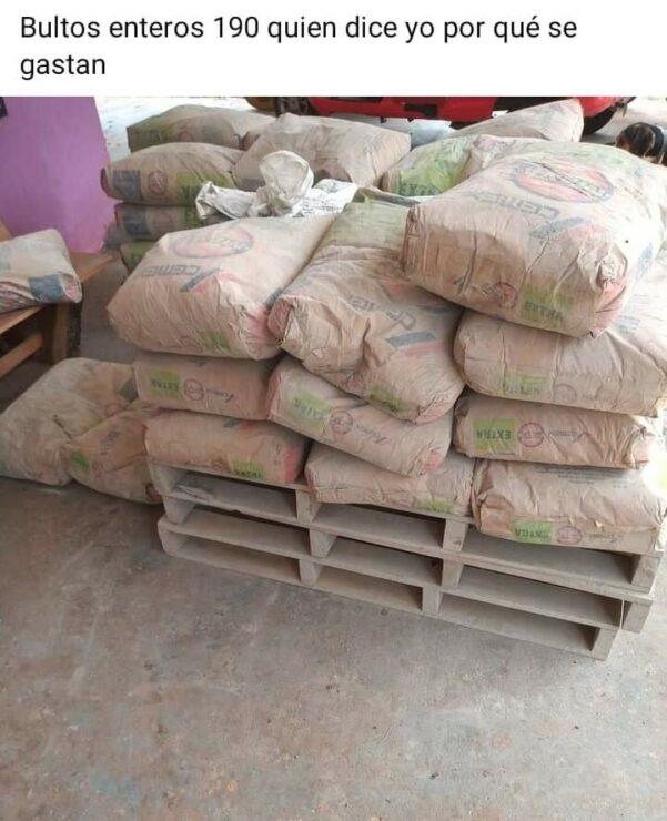 El cemento robado ya es ofertad en las redes sociales.