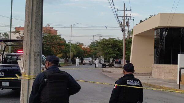 Cancún: Dejan restos humanos frente a televisora en la Yaxchlilán.