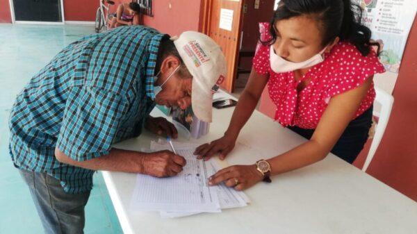 Recaban firmas de apoyo para reforma constitucional de pueblos indígenas y afromexicano.