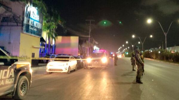 """Cancún: Sicarios balean el bar """"Las brujas"""" y lesionan a dos empleados"""