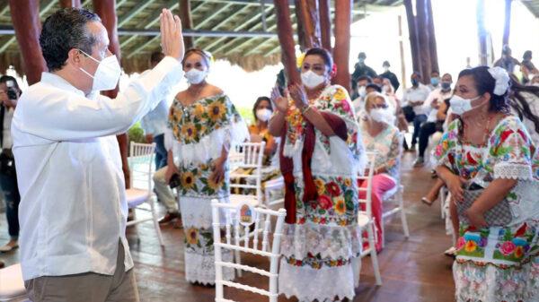 Asiste y presencia el gobernador Carlos Joaquín informes presidenciales de Bacalar, Felipe Carrillo Puerto y Tulum