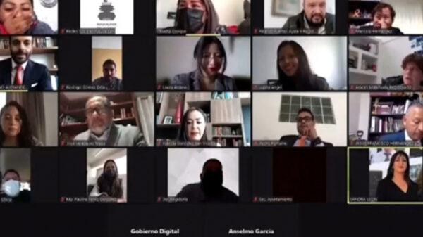 Video: Síndica sesiona desnuda en sesión virtual por zoom