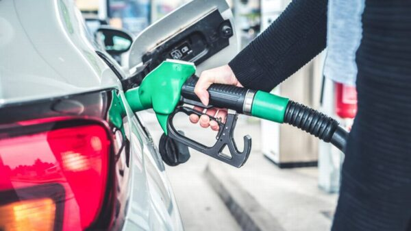Aumenta Hacienda estímulo fiscal a combustibles.