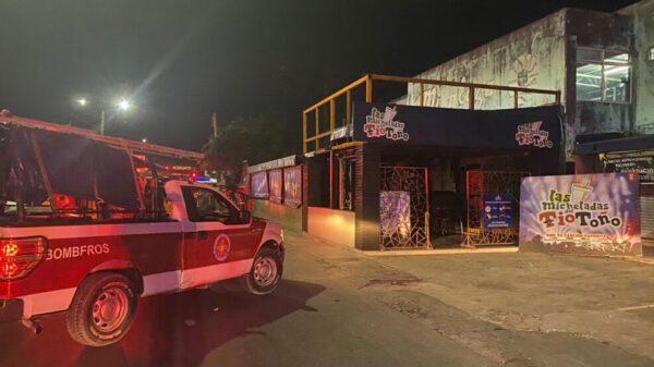 Incendian por la madrugada las micheladas del Tío Toño en Cancún.