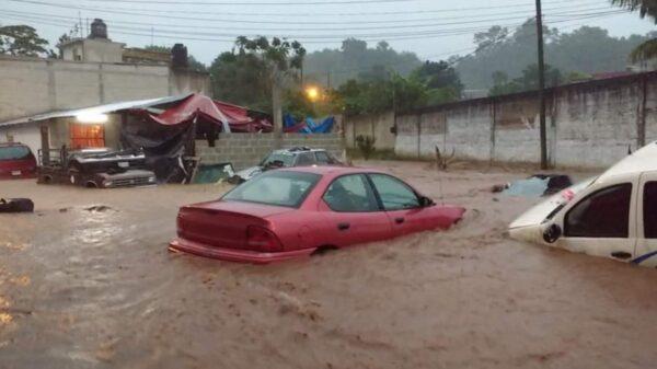 Graves afectaciones deja tormenta tropical 'Nicholas' en Veracruz