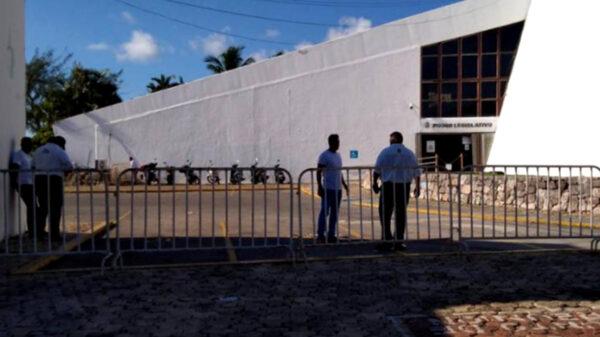 Marcha feminista causa temor en Congreso de Quintana Roo