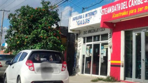 Delincuente asalta papelería y viola a empleada en Playa Del Carmen