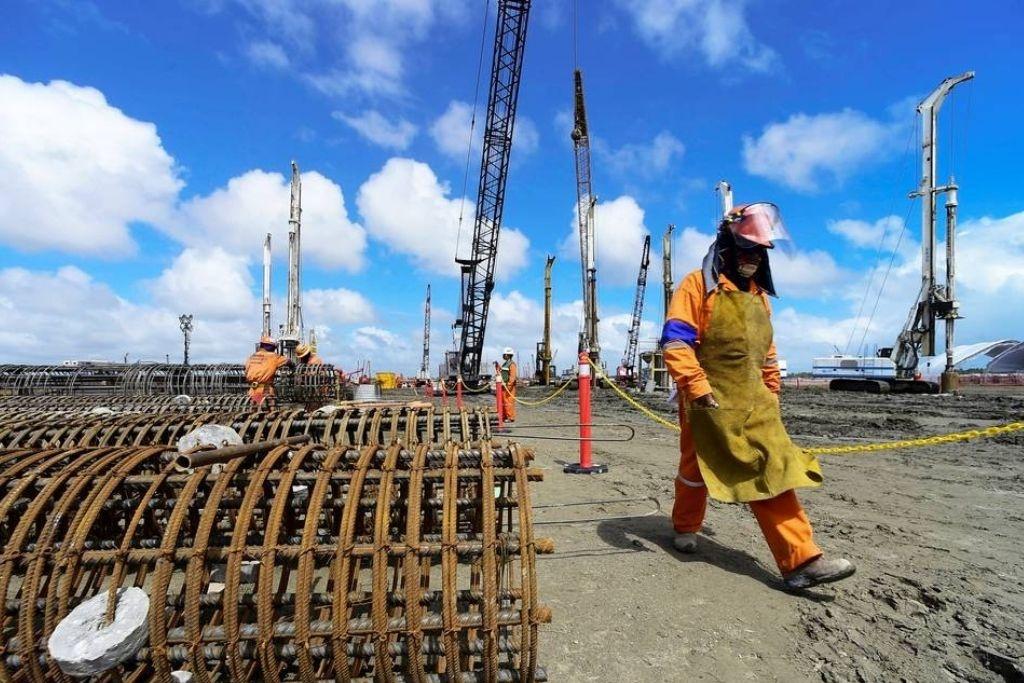 Anuncia AMLO que la refinería de Dos Bocas se llamará 'Olmeca'; el mandatario reiteró que la obra será inaugurada el 2 de julio de 2022.