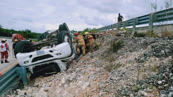 Accidente en la vía de cuota en Lázaro Cárdenas deja un muerto