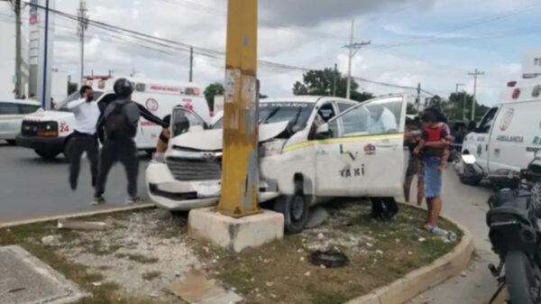 Cancún: Múltiples lesionados en choque entre taxista y particular