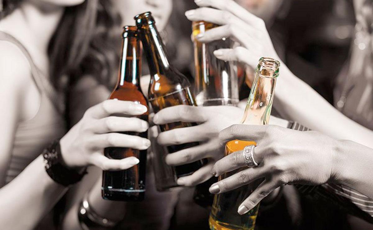 Por consumir alcohol adulterado se intoxican más de 60 personas; mueren 34