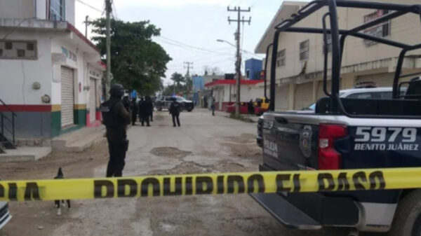 Cancún: Despojan de fuerte suma a repartidor en Tres Reyes