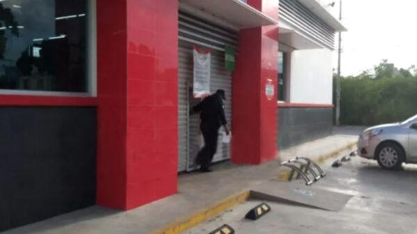 Cancún: Individuos armados asaltan a balazos tienda en la SM 217