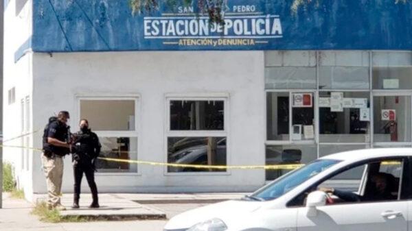 Comandos armados atacan tres casetas de policías; un muerto y dos heridos
