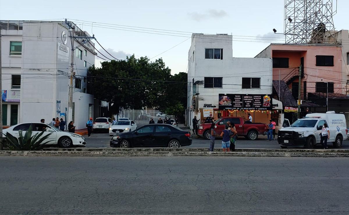 Cancún: Lesionan a balazos a automovilista frente a la Gran Plaza